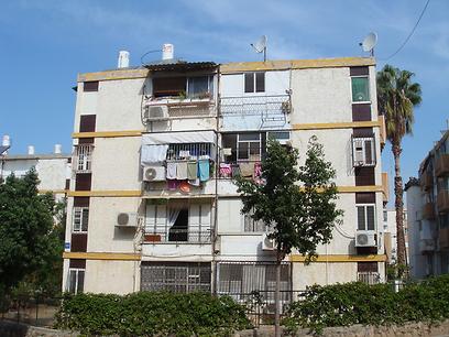 מקומם: 22 נפשות מתגוררת בדירת 3 חדרים